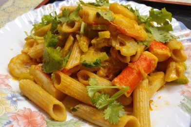 Penne with Seafood and Vegetables in Curry Flavour