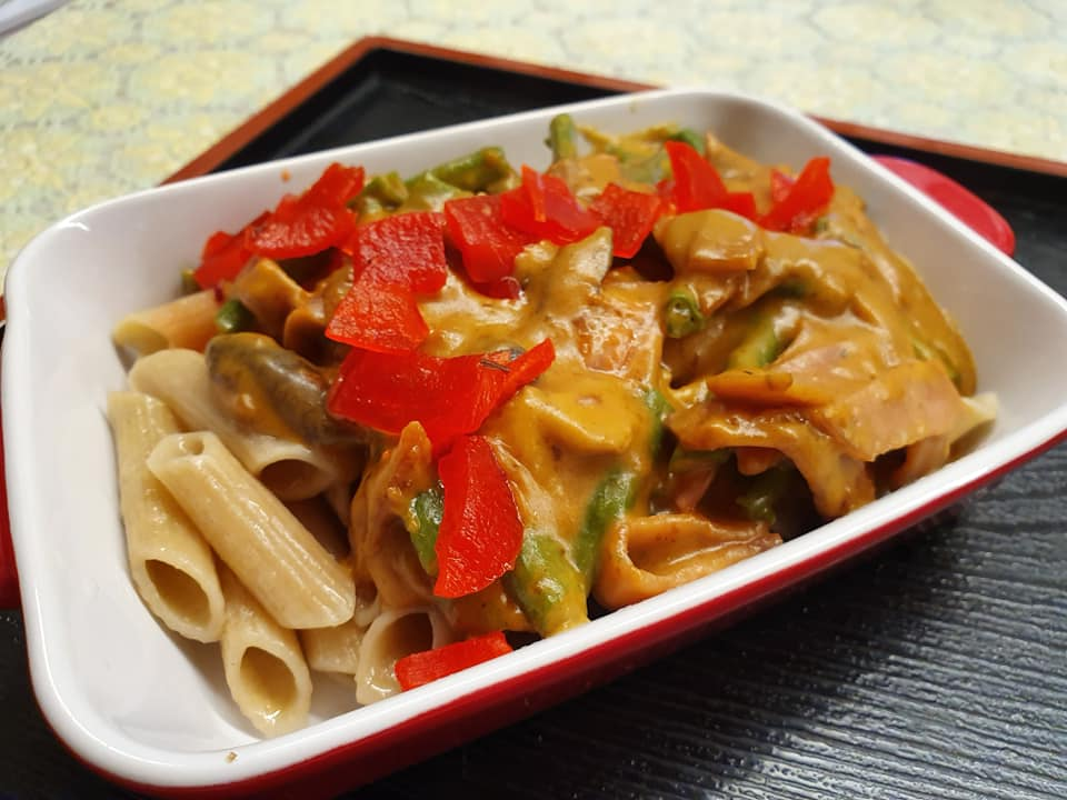Penne with veggies in Japanese curry