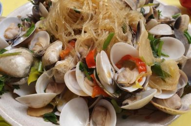 Fresh Clams with Tunghoon