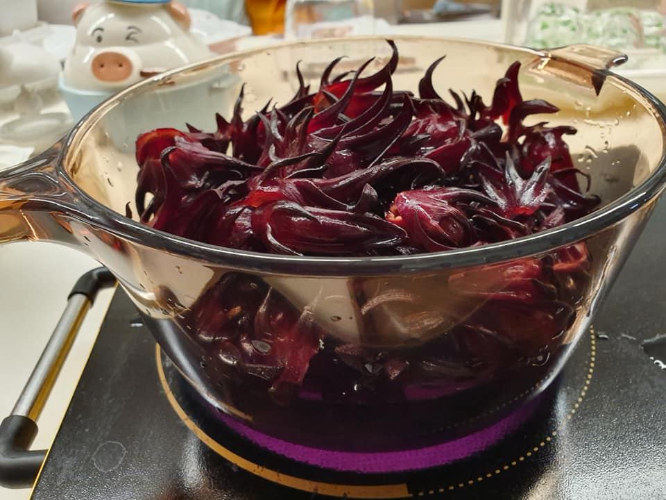 Boil the Roselle Petals with 4 cups water